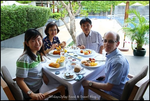 Brunch at The Pool Grill at Marriott Hotel (2)