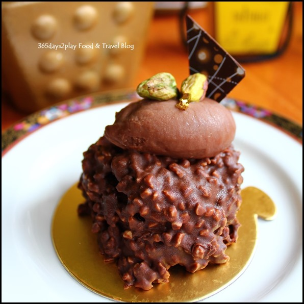 Conrad Singapore - Glazed Macadamia Chocolate fondant $7 nett (1)