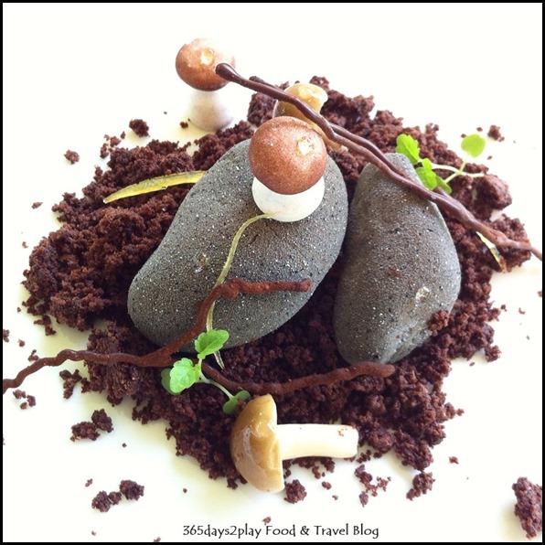 Corner House - Cocoa Pebble with Alpaco, mandarin, shimeiji (1)