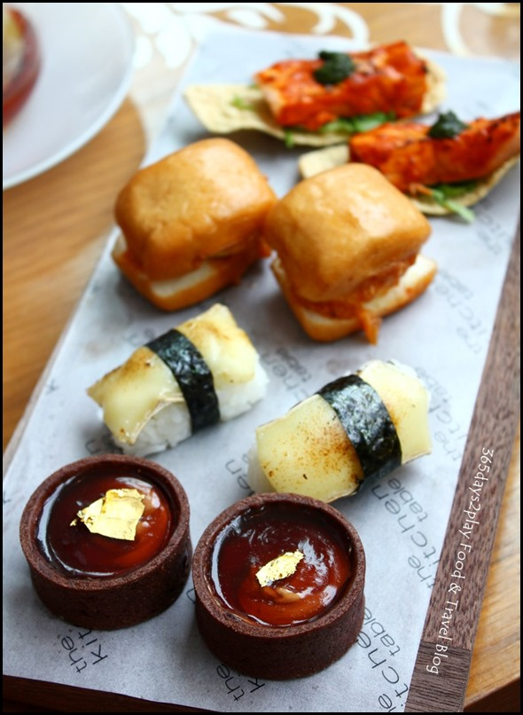 W Singapore T Time - Savoury canapes