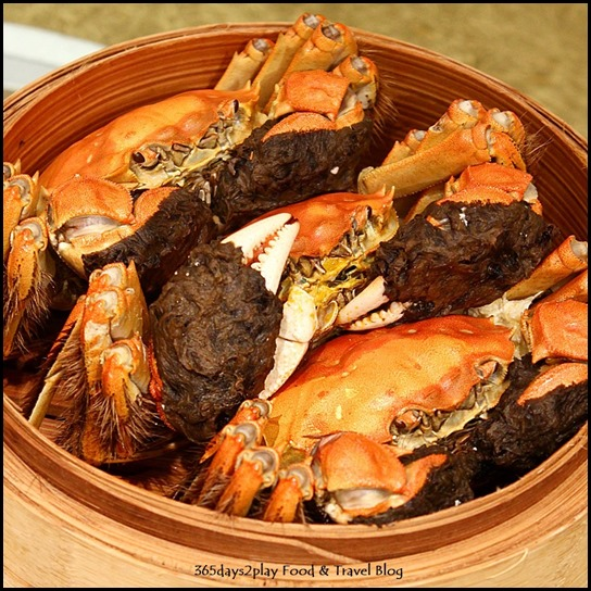 Li Bai Sheraton - Traditionally Steamed Hairy Crab (2)