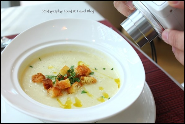 Zafferano - Leek and Potato veloute, rosemary bread croutons (1)