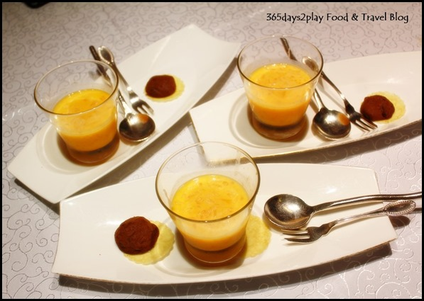 Yan Ting St Regis - Chilled mango sago cream with pomelo served with mini chocolate biscuits