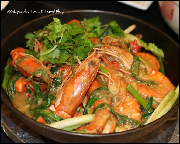 Quayside Seafood Claypot Prawns with Tang Hoon  Crystal Rice Vermicelli