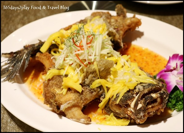 Tao Seafood Asia - Golden Soon Hock with Mango Slices (1)