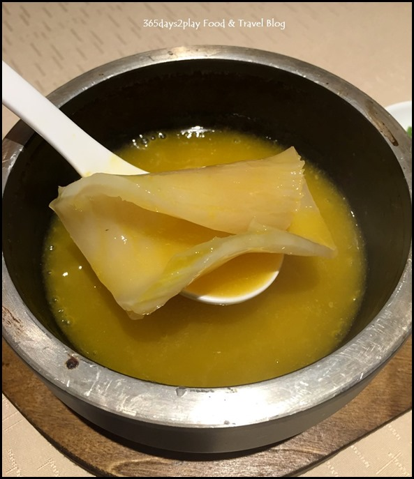 9Goubuli - Braised fish maw in superior soup $18
