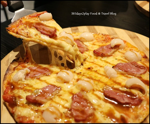 Coffee Nowhere - Pizza Nowhere $19.80 (Smoked Duck, Lychee, Mozzarella and Cheddar Cheese) (1)