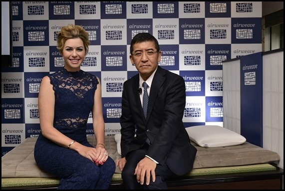 Paula Creamer and CEO and President of airweave, Mr. Motokuni Takaoka