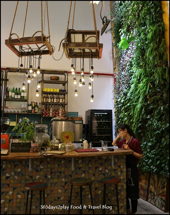 AEIOU Cafe - (6)