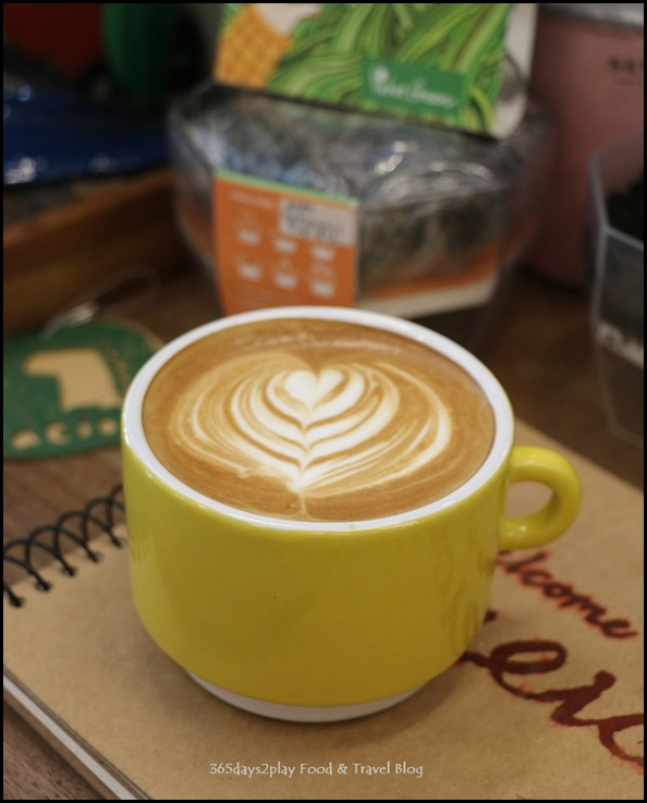 AEIOU Cafe - Flat White (1)
