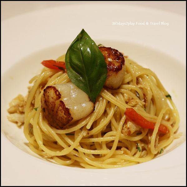 Dazzling Cafe - Scallop and Crabmeat Spaghetti Aglio Olio $18.90