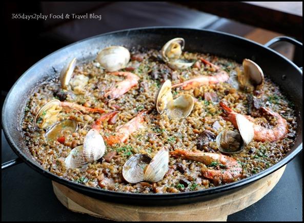 Catalunya - Seafood Paella (2)