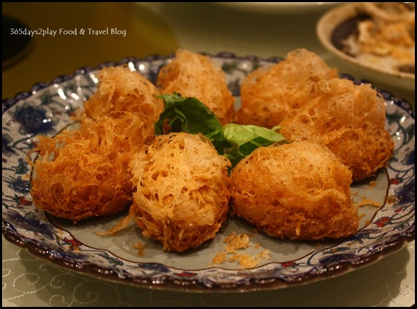 Fengshui Inn Resorts World Singapore - Crispy Yam Pastry with Custard Salted Egg Yolk