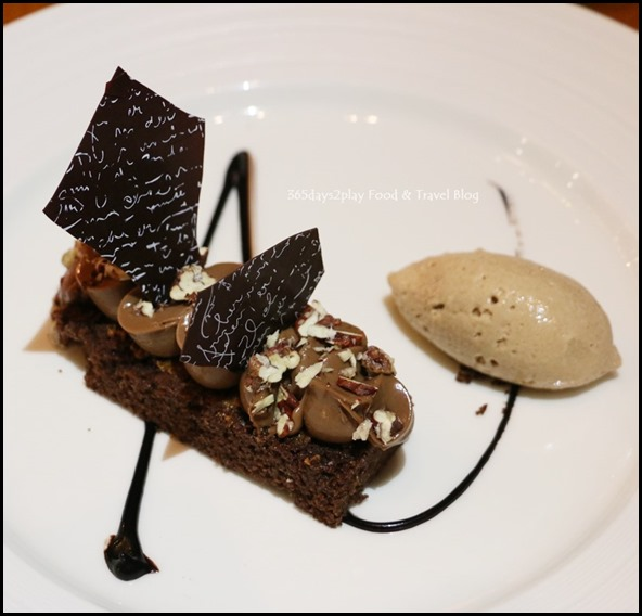 ME@OUE - Caramelised Pecan Biscuit, Gianduja Cremeux, Praline Ice Cream