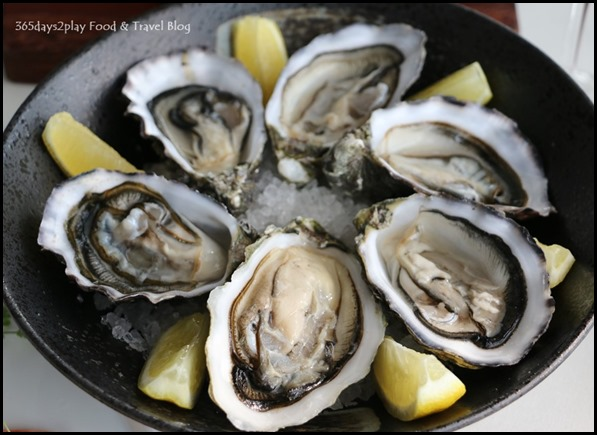 Zafferano Brunch - Live seasonal oysters (2)
