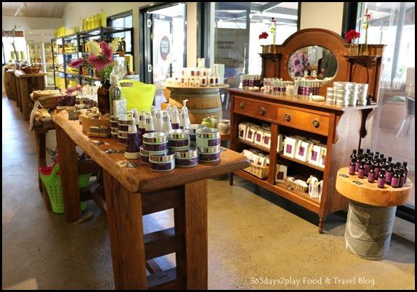 Olio Bello Souvenir Store (5)