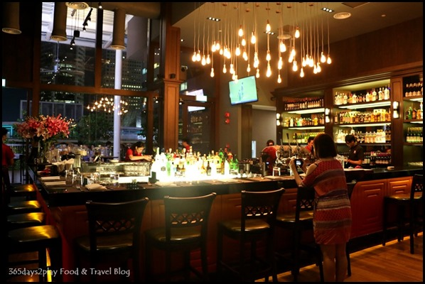 Dallas Restaurant & Bar - (8)
