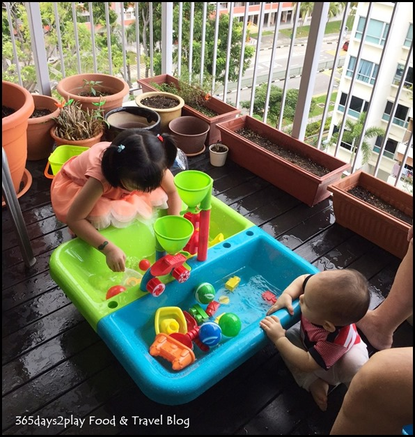 Water-table play area (1)