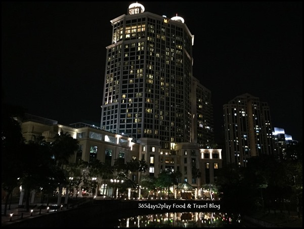 Grand Copthorne Waterfront Hotel at night