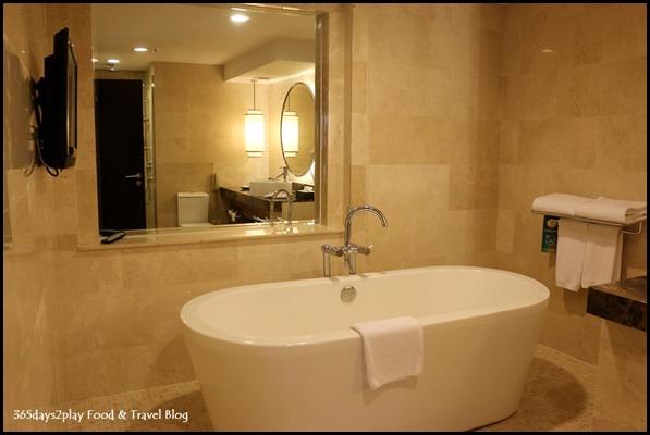 Grand Mercure Singapore Roxy Business Suite (11)