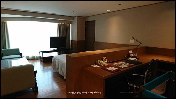 Grand Mercure Singapore Roxy Business Suite (2)