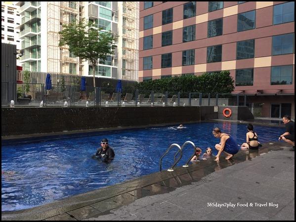 Grand Mercure Singapore Roxy Swimming Pool (1)