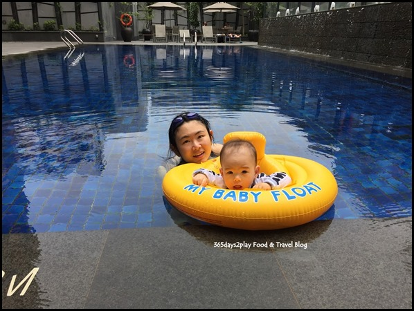 Grand Mercure Singapore Roxy Swimming Pool (2)