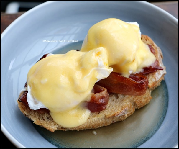 Monti Sunday Brunch - Eggs Benedict (2)