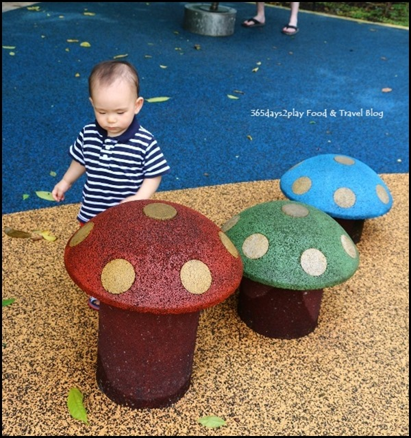 Baby Edward having fun at Hort Park (36)