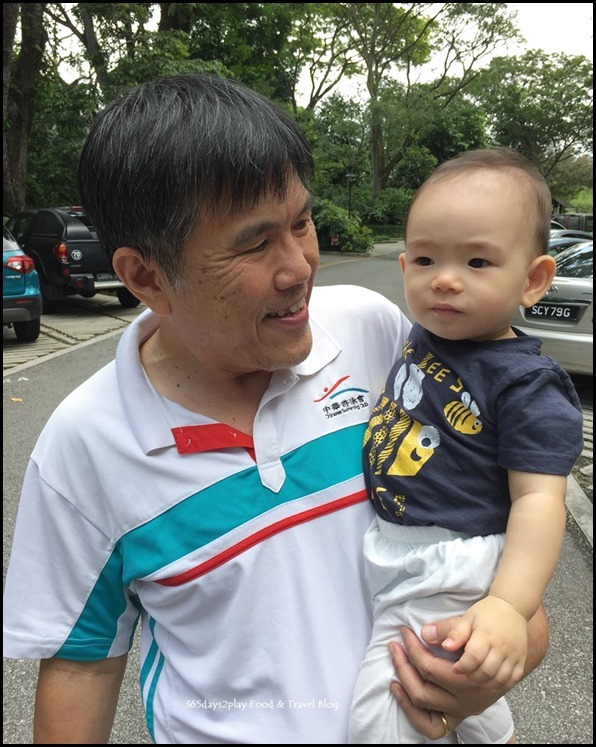 Baby-and-Grandpa-at-the-Singapore-Bo[1]