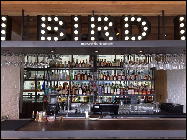 The Bird Southern Table & Bar - Bar Counter