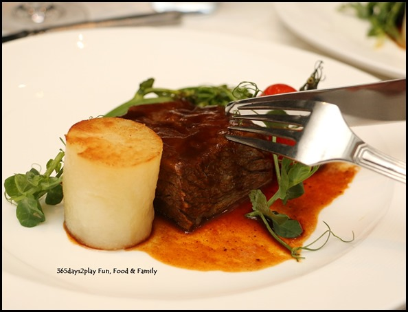Marriott Hotel Pool Grill - Braised Westholme Australian Beef Short Rib (3)