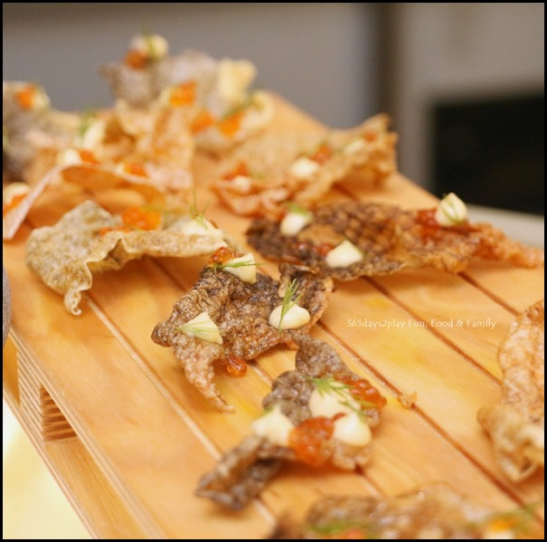 Fisk - Salmon Skin with smoked mayo and roe