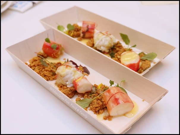 Fisk - Steamed King Crab with curry leaves and milk crumble (1)
