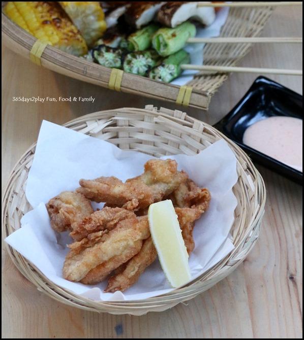Iza - Deep fried chicken soft-bone $6