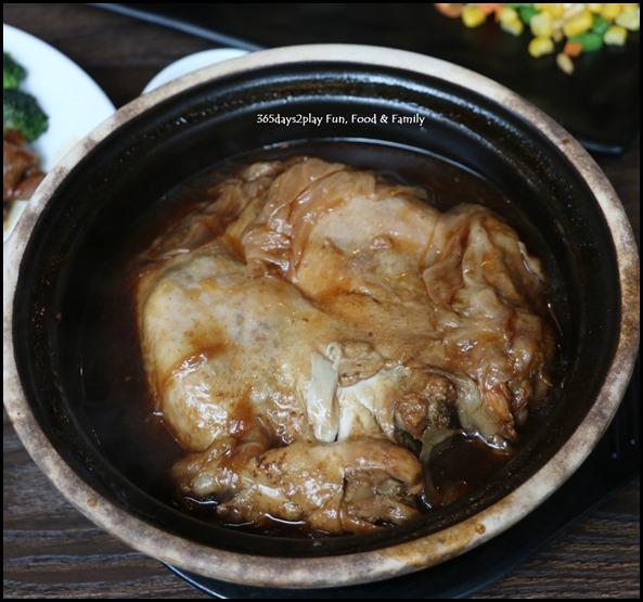 Myo Restobar - Kia Hiang Claypot Organic Chicken $28 (2)