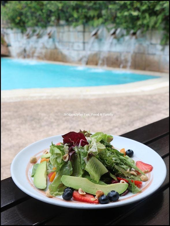 Blue Potato -Fresh Berries and Avocado Salad (1)