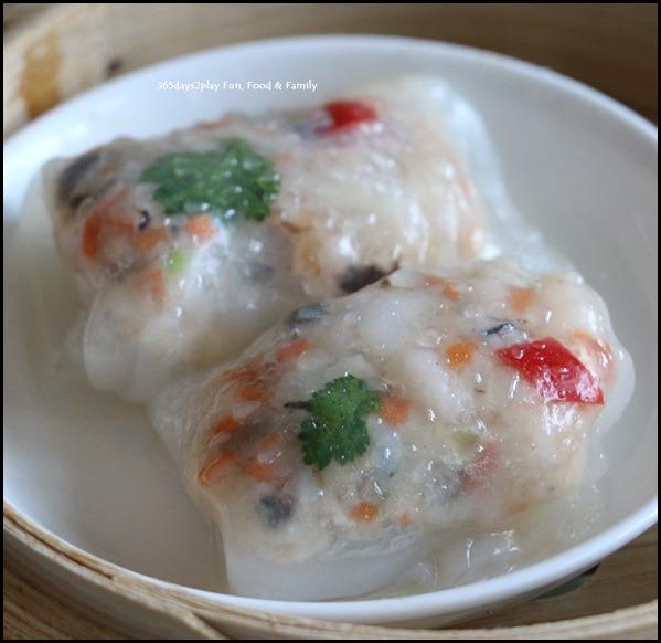 Dragon Bowl Restaurant - Steamed Crystal Prawn Roll $4.80