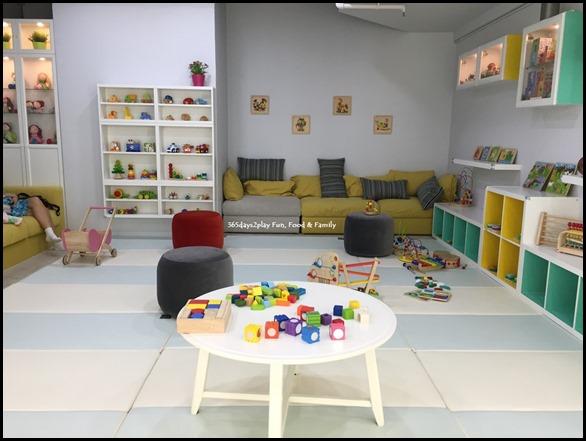 The Joy of Toys (11)