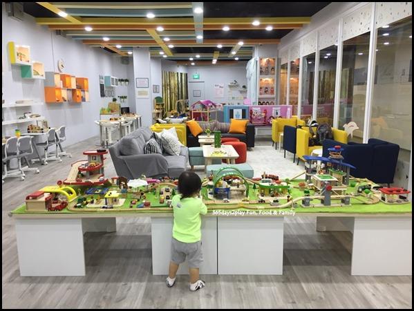 The Joy of Toys (19)