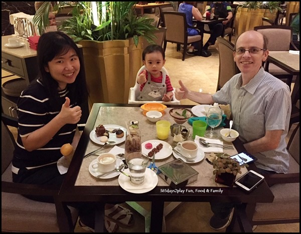 Enjoying ourselves at Fullerton Hotel's Chocolate Buffet (1)