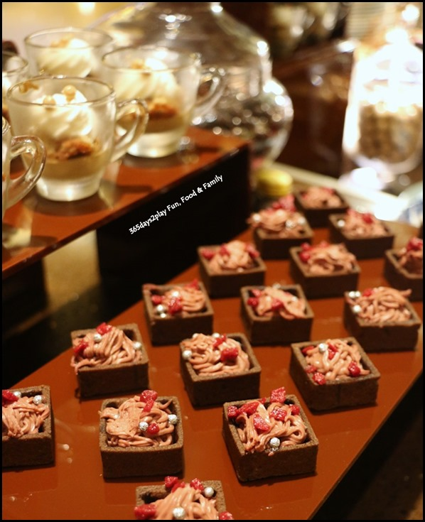 Fullerton Hotel Chocolate Buffet (15)