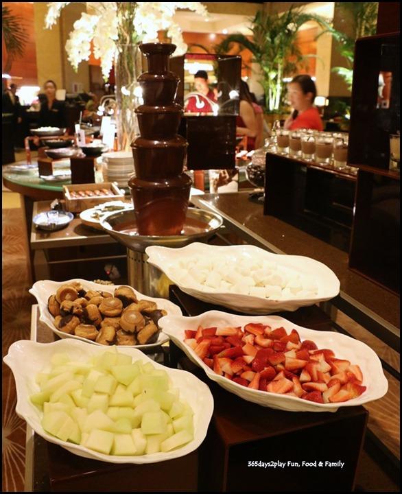 Fullerton Hotel Chocolate Buffet (16)