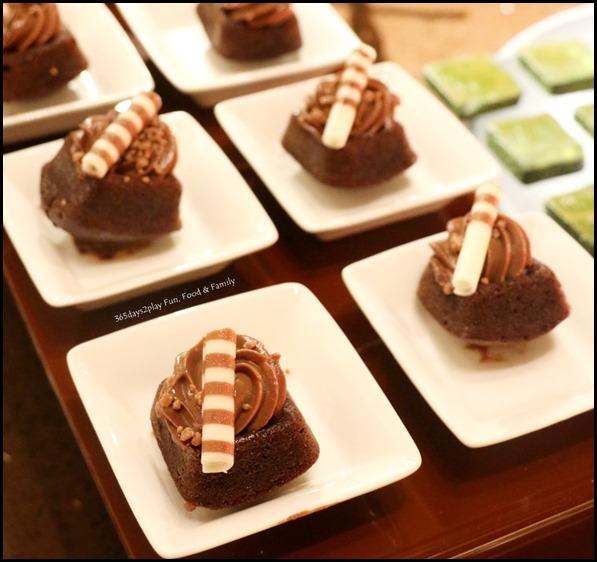 Fullerton Hotel Chocolate Buffet (5)