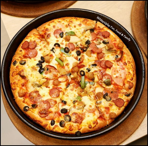 Pizza Hut - Super Supreme (2)