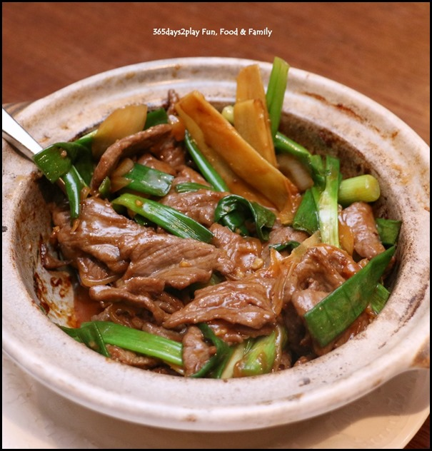 Hai Tien Lo Claypot dishes - Beef with ginger spring onion in superior oyster sauce