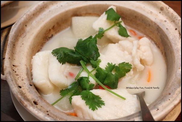 Hai Tien Lo Claypot dishes - Claypot sliced grouper with winter melon in supreme fish broth