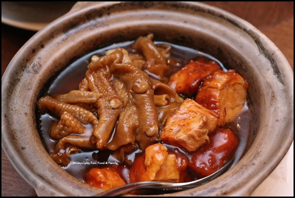 Hai Tien Lo Claypot dishes - Pork Spare-ribs with goose webs