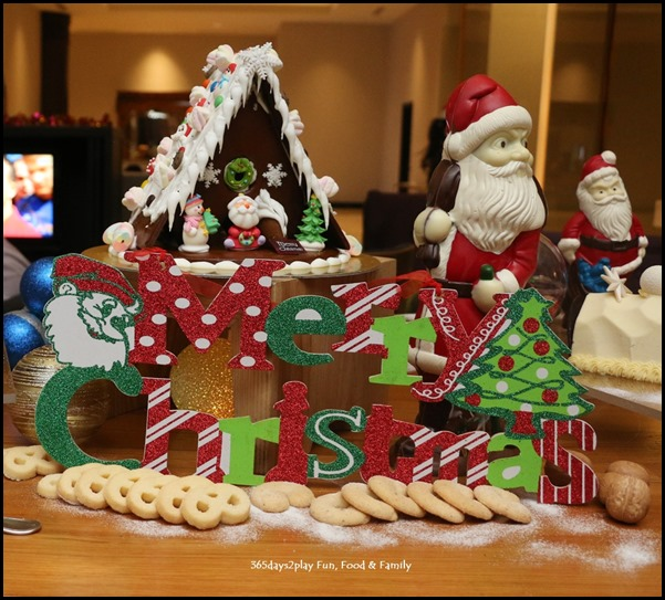 Festive Log Cakes and chocolates at Swissotel Merchant court (5)