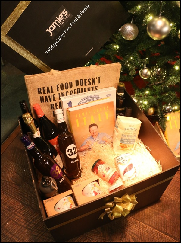 Jamie's Italian Christmas Hampers (2)